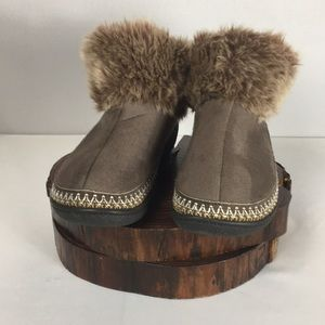 Isotoner Faux Fur Slipper Booties Memory Foam